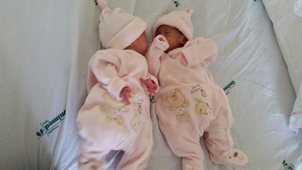 gêmeas sai da neonatl